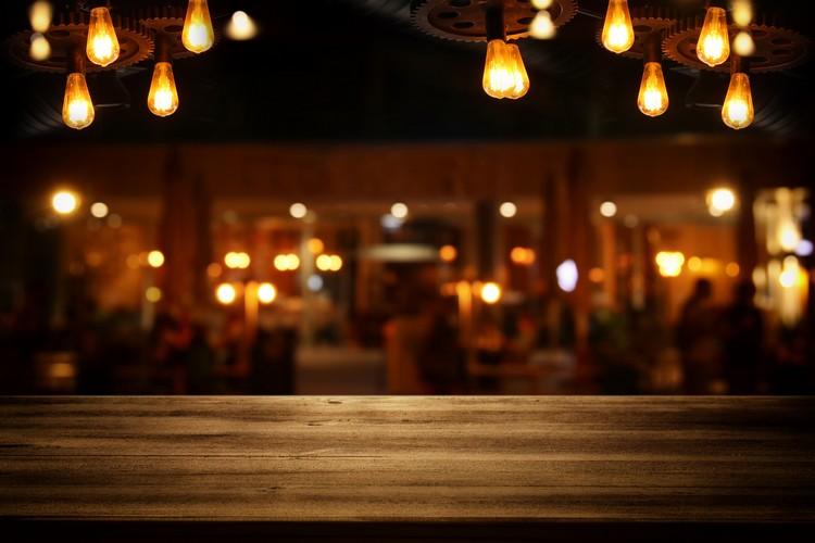 table-de-restaurant-gastronomique